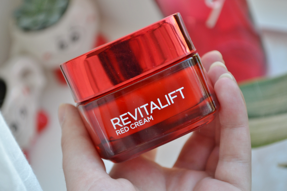 L'Oréal Revitalift Red Cream 1